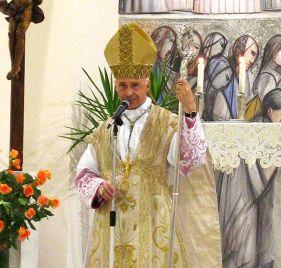 + Angelo Card. Bagnasco, Archevêque de Gênes - Président de la Conférence des évêques italiens